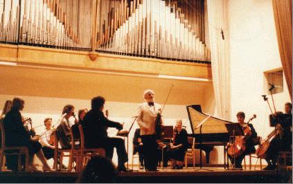 Max Rostal solistina Sibelius-Akatemiassa 1986